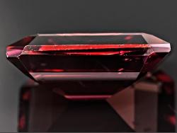 OBG010<br>Tanzanian Red Zircon Min 5.75ct 11x9mm Emerald Cut